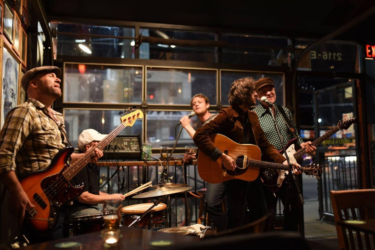 Best Bars with Live Music in Toronto on the Top List